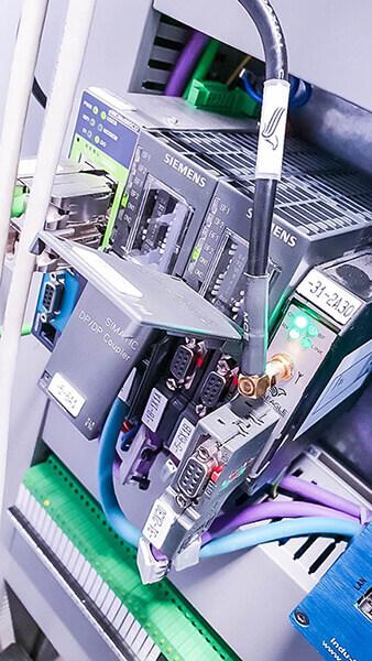 Couplery oraz moduł do transmisji bezprzewodowej