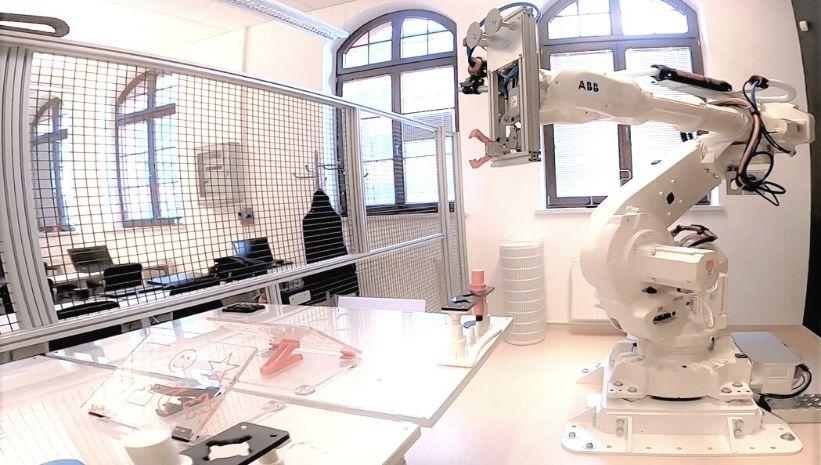 Webinar: Robotyzacja od podstaw – pierwsze kroki w świecie robotów przemysłowych
