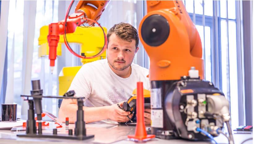 Webinar: Ruch SPLINE w robotach KUKA