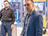 Druk 3D w technologii FDM – szkolenie podstawowe. Indywidualne stanowiska złożone z drukarek 3D Prusa i3 MK3. Trenerzy