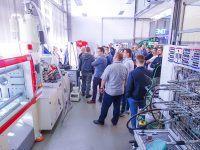 Podczas bezpłatnych warsztatów technicznych EMT TOUR ze Zrobotyzowanych linii i stanowisk, odbyło się zwiedzanie laboratoriów szkoleniowych EMT-Systems . Laboratorium hydrauliki siłowej.