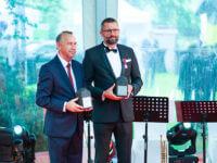 Gala BCC Prezes EMT-Systems Grzegorz Wszołek i Prezes GAPR Bogdan Traczyk z nagrodą Antracytu Biznesu - Kowal Młodych Talentów