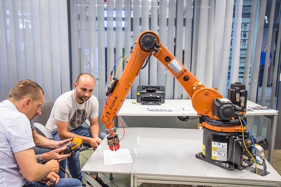 Manual programming Of Kuka robots