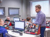 Programowanie sterowników logicznych SIEMENS SIMATIC S7-300/400 – kurs zaawansowany EMT-Systems. Trener Dominik Bednarek