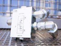 Komponenty szkoleniowe – PARKER Hannifin w laboratorium napędów hydraulicznych centrum szkoleń inżynierskich EMT-Systems