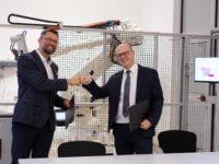 Podpisanie umowy o współpracy EMT-Systsems i APA