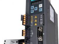 SINAMICS V90 Przekształtnik i silnik serwo - sprzęt używany podczas szkolenia TIA1500-T Funkcje Motion Control sterownika S7-1500T