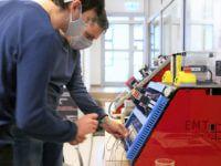 Stanowiska szkoleniowe EMT-Systems do ćwiczeń z montażu paneli PV