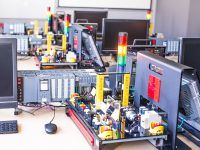 stanowiska szkoleniowe zadania przemysłowe